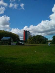 Pohled na campus a budovu mé fakulty.